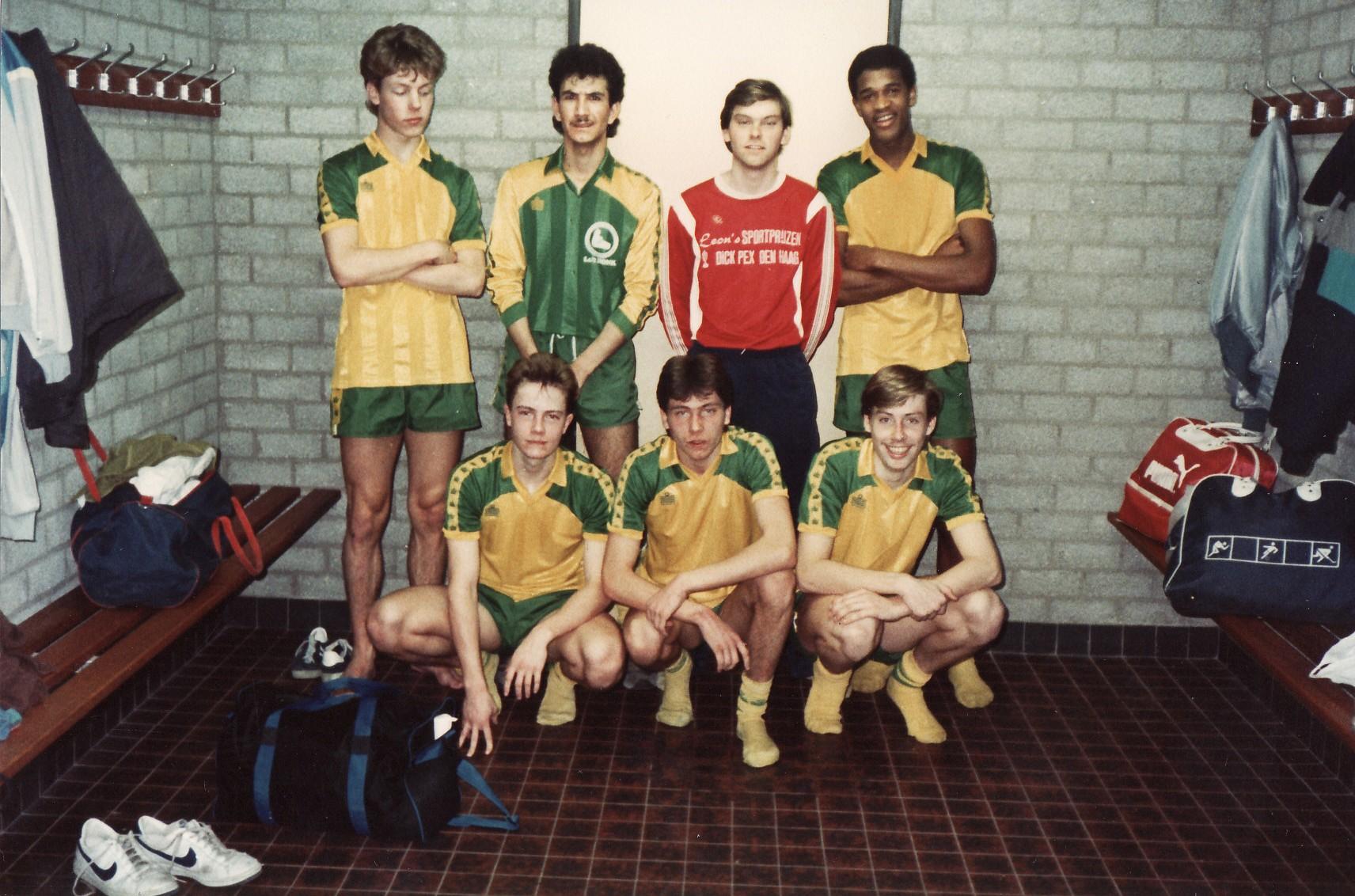 Sander, Hassan, Wim, Gil, Johan, Ron & Marcel ('86) - Copy